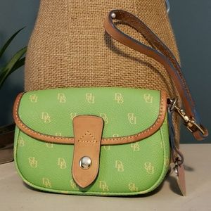 DOONEY & BOURKE Leather Wristlet Wallet
